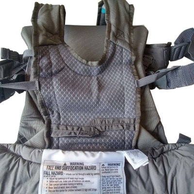 Infantino Carry On Multi-Pocket Carrier - Anti-fall security