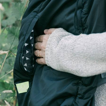 Lucky Babywearing Cover 3 in 1 Black front pockets