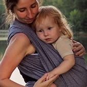 Storchenwiege baby sling toddler